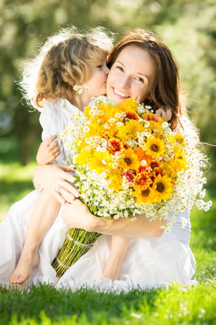 Σκέψεις με αφορμή τη γιορτή της μητέρας